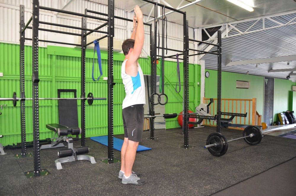 Alternating-Bodyweight-Over-head-Reverse-Lunge