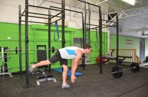 Bodyweight-Single-Leg-Romanian-Deadlift-2
