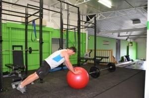 Fit-Ball-Cross-Body-Mountain-Climber