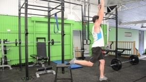 Rear-foot-elevated-splits-squats-with-overhead-reach-3