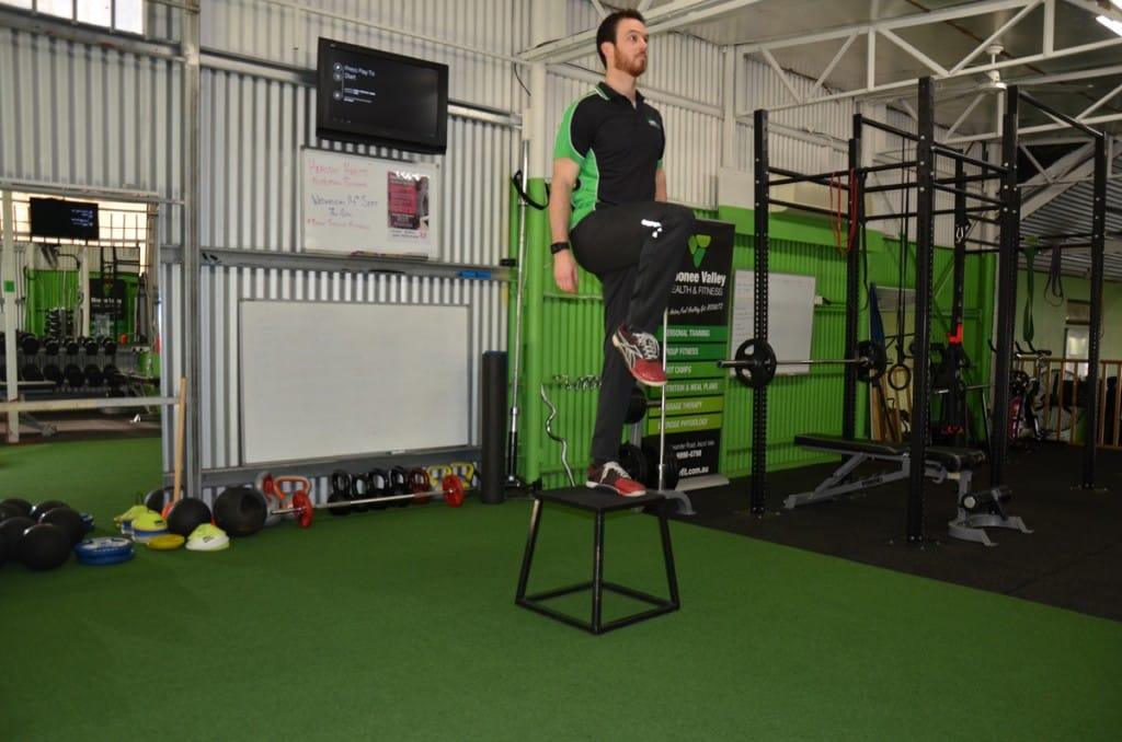Step-Ups-with-Knee-Raise-3